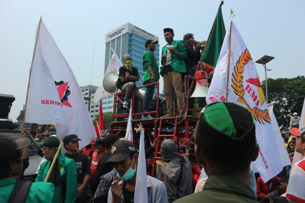 Polisi Kembali Melakukan Tindakan Represif Dalam Menangani Aksi-aksi Massa