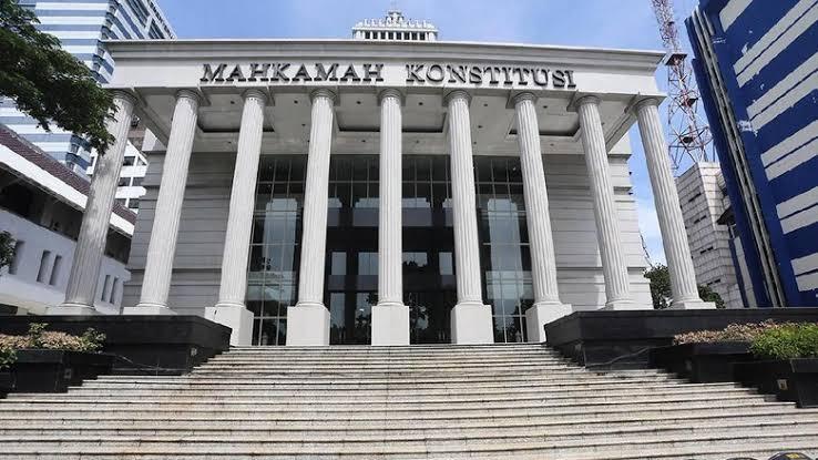 Implikasi Hukum Atas Putusan Mahkamah Konsitusi Nomor 13/PUU-XVI/2018